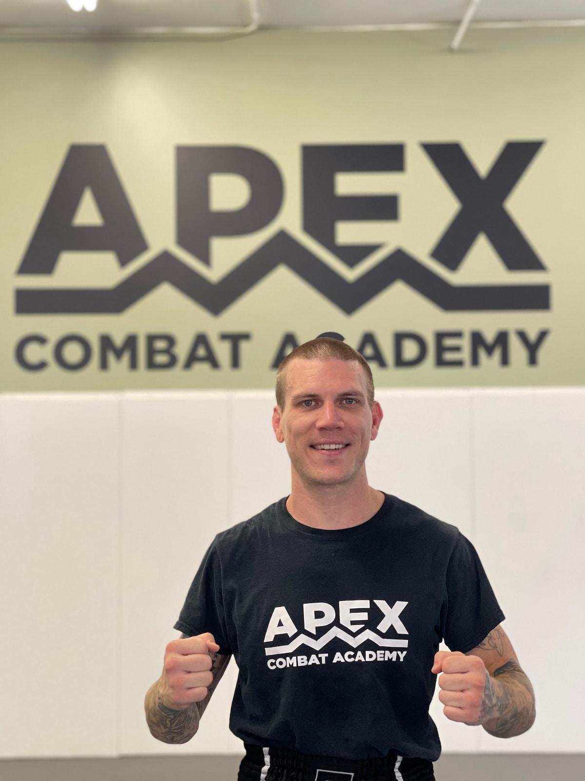 Kru Bryan Mears - Muay Thai Kickboxing Coach