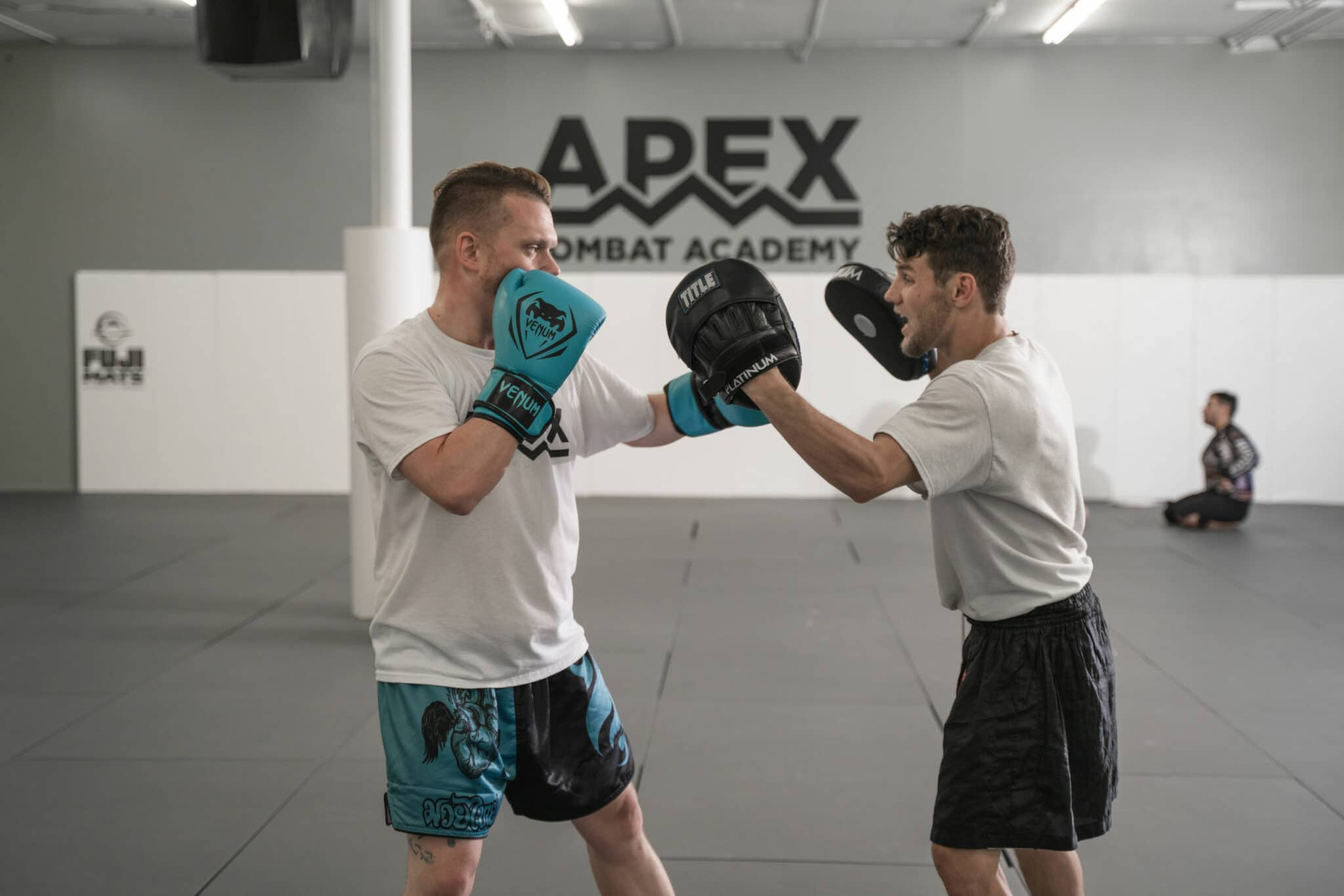 Apex Combat Academy Beginners Muay Thai Kickboxing
